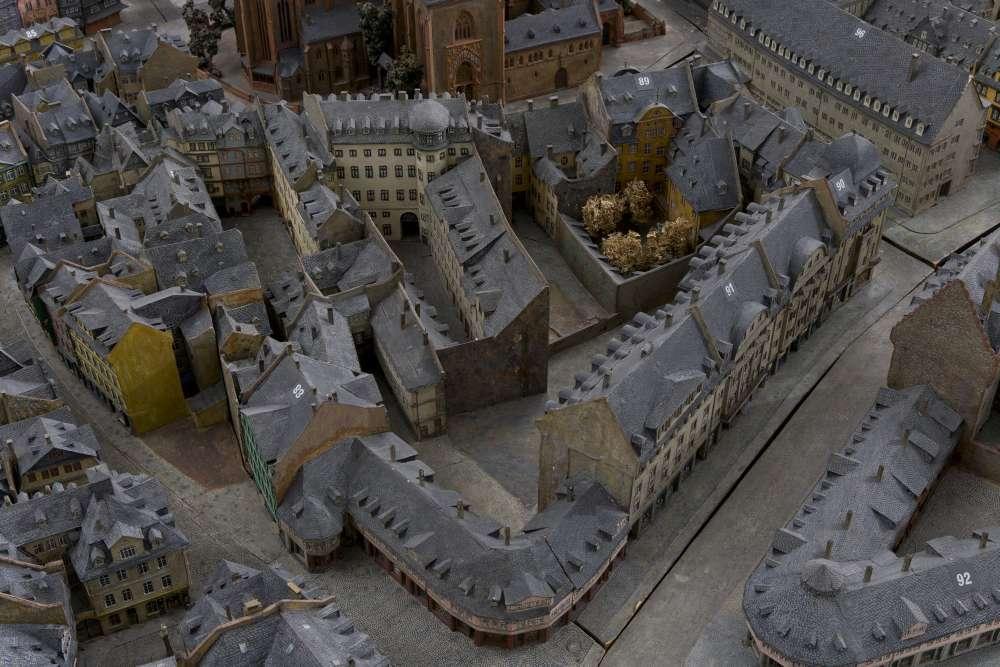 Eine Aufnahme zeigt ein Detail aus dem Altstadtmodell