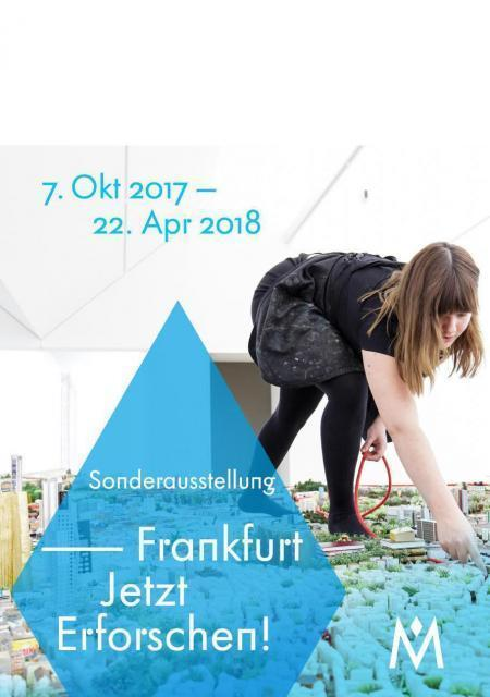 Künstlerin baut das Frankfurt-Modell im HMF