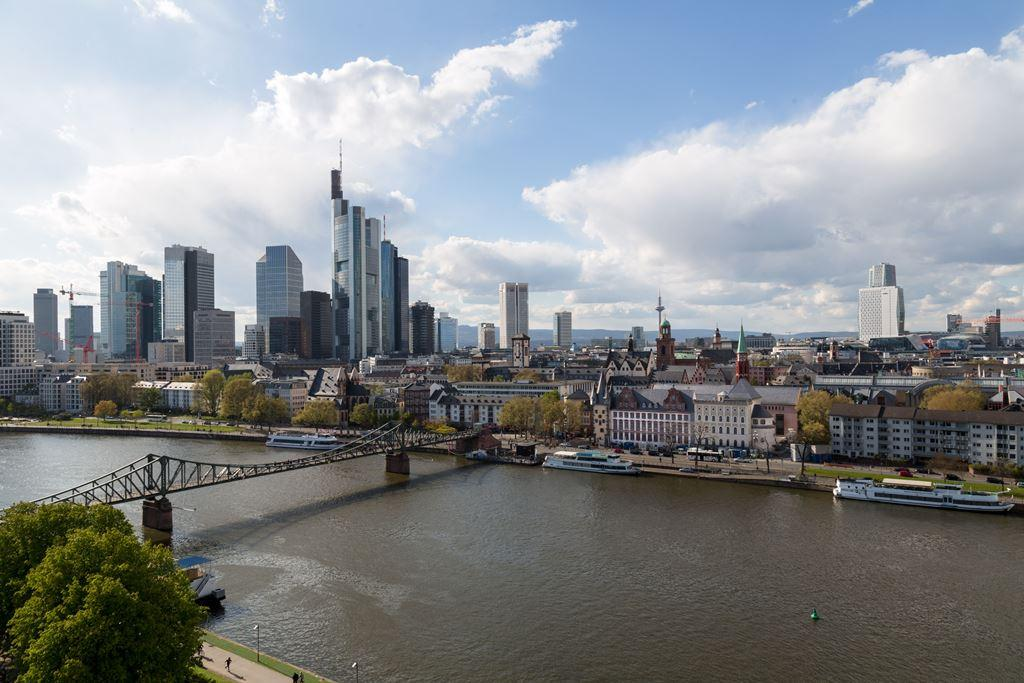 HMF Quartier Eiserner Steg Skyline Frankfurt © HMF Robert Metsch