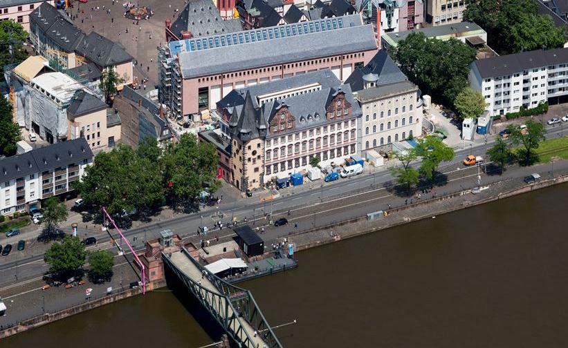 HMF Quartier mit Ausstellungshaus - Eingangsbau - Saalhof von Süde (c) HMF Robert Metsch